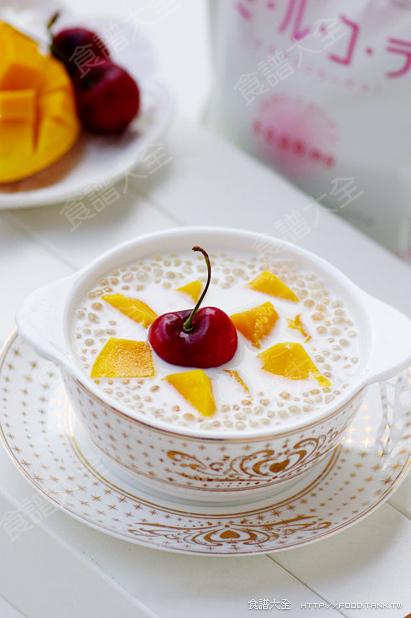 奶香芒果西米露