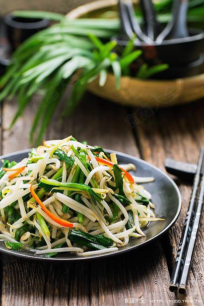 豆芽菜炒韭菜