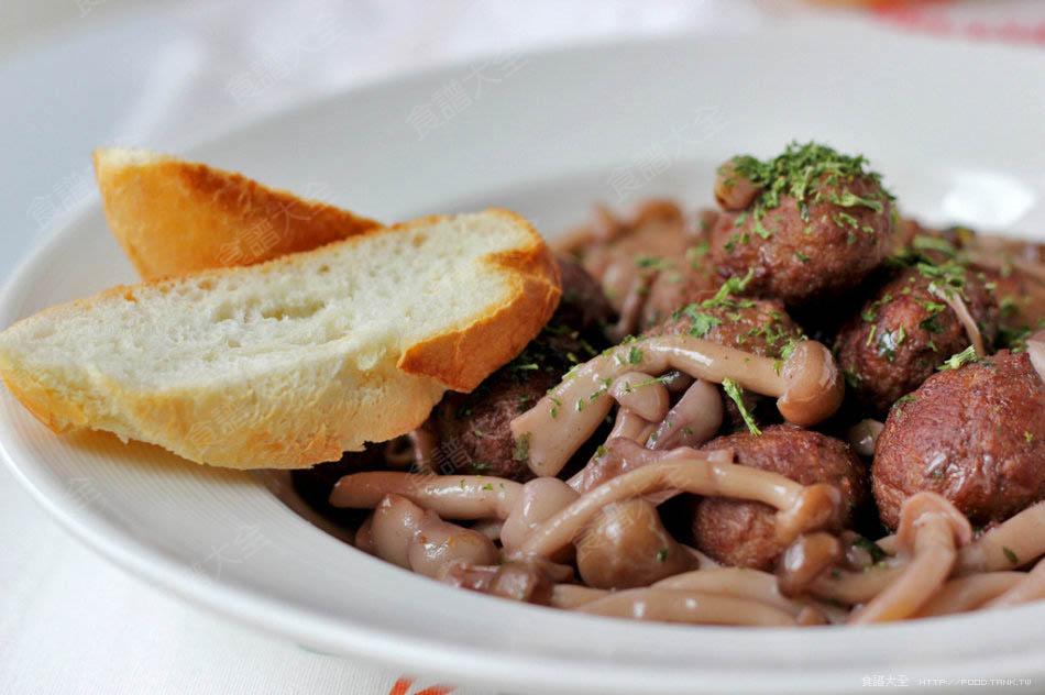 紅酒肉丸燉蘑菇