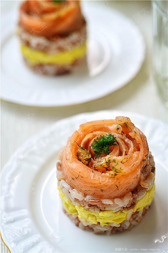 鮭魚紅米飯