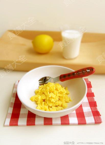 ... 小食譜:蜂蜜綠茶,美式炒蛋,奶香馬鈴薯泥,蘆筍沙拉