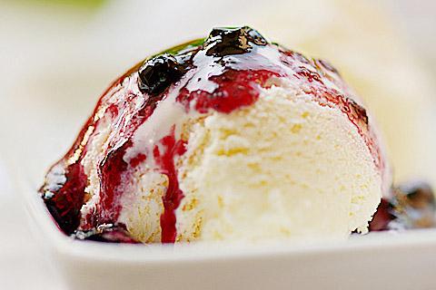 藍莓果醬蛋奶冰淇淋