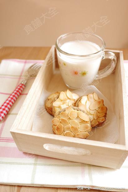 幸福早餐之杏仁早餐