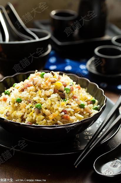 粒粒分明、豐富食材的炒飯