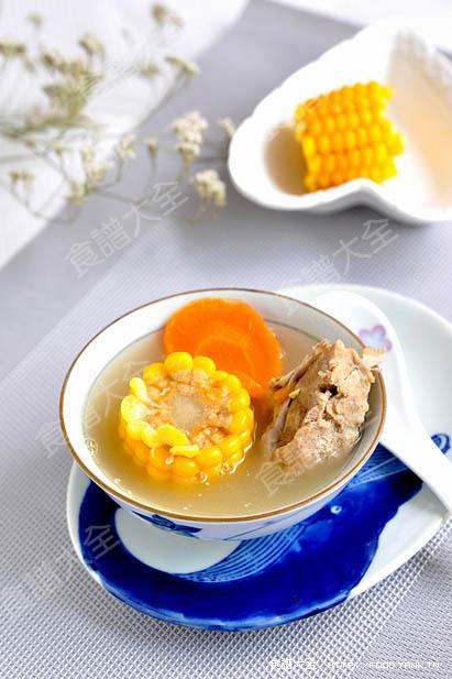 胡蘿蔔玉米排骨湯