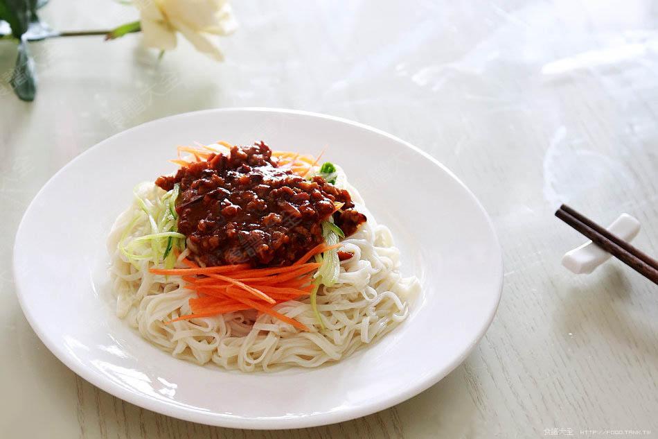 韓國甜辣炸醬麵