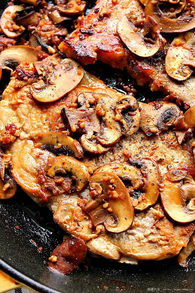 蒜味蘑菇豬排