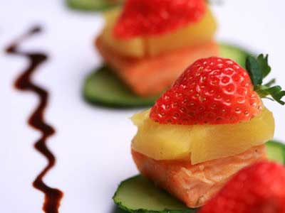 草莓鳳梨鮭魚